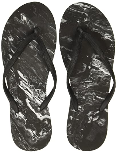 b5fa4f28fcc003 Puma Women s First Flip Platform Marble Idp Black and White Flip-Flops and  House Slippers