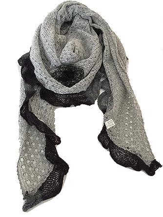 d2ee66885666 Écharpe triangle gris avec garniture gris et design fleur noir. -- Grey  with grey