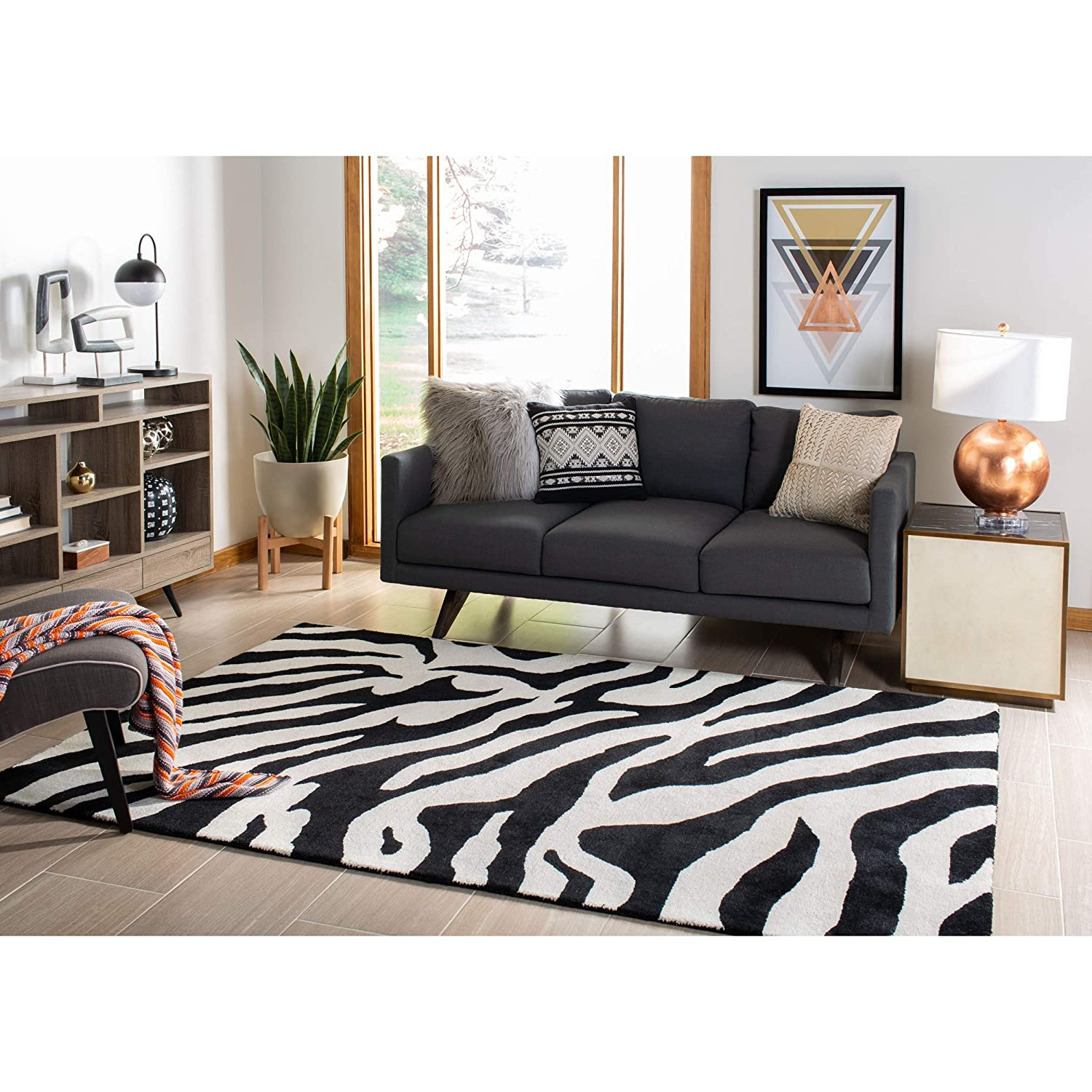 Safavieh Soho Collection SOH717A Handmade White and Black Premium Wool Area Rug (6 x 9)