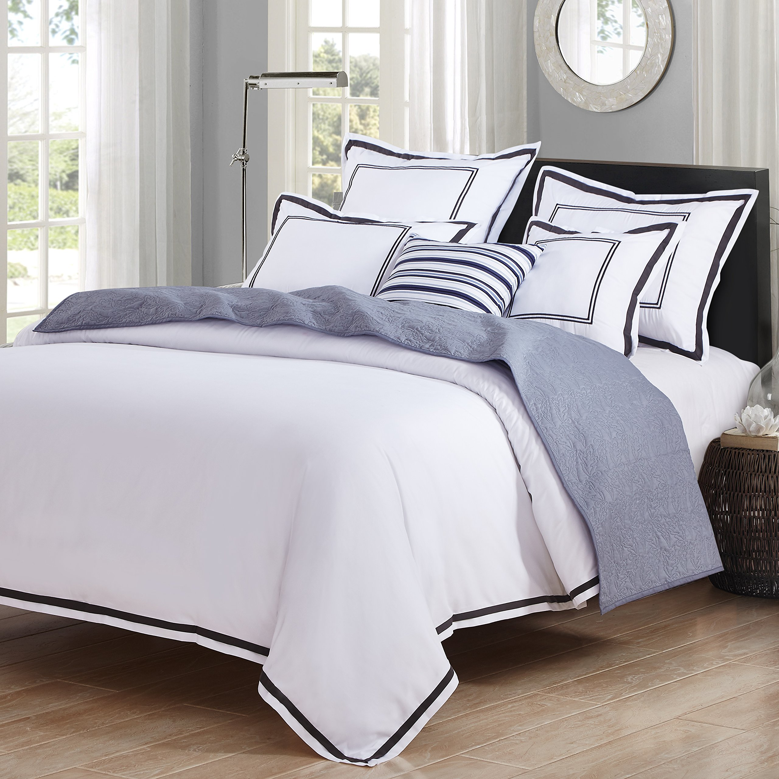 Hotel Luxury 3pc Duvet Cover Set- Elegant White/Black Trim Hotel Quality Design- Wrinkle & Fade Resistant Bedding - King/Cal King