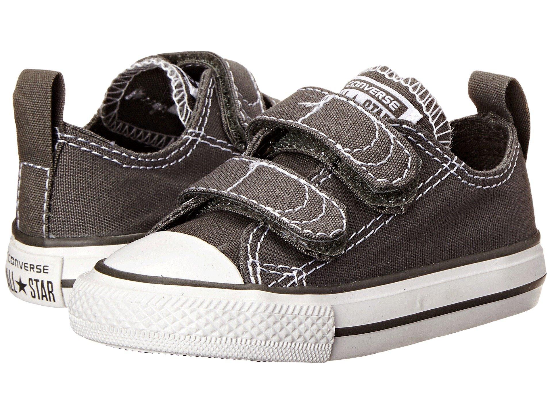 Converse Kids' Chuck Taylor 2v Ox (Infant/Toddler) (2 M US Infant, Charcoal/White)