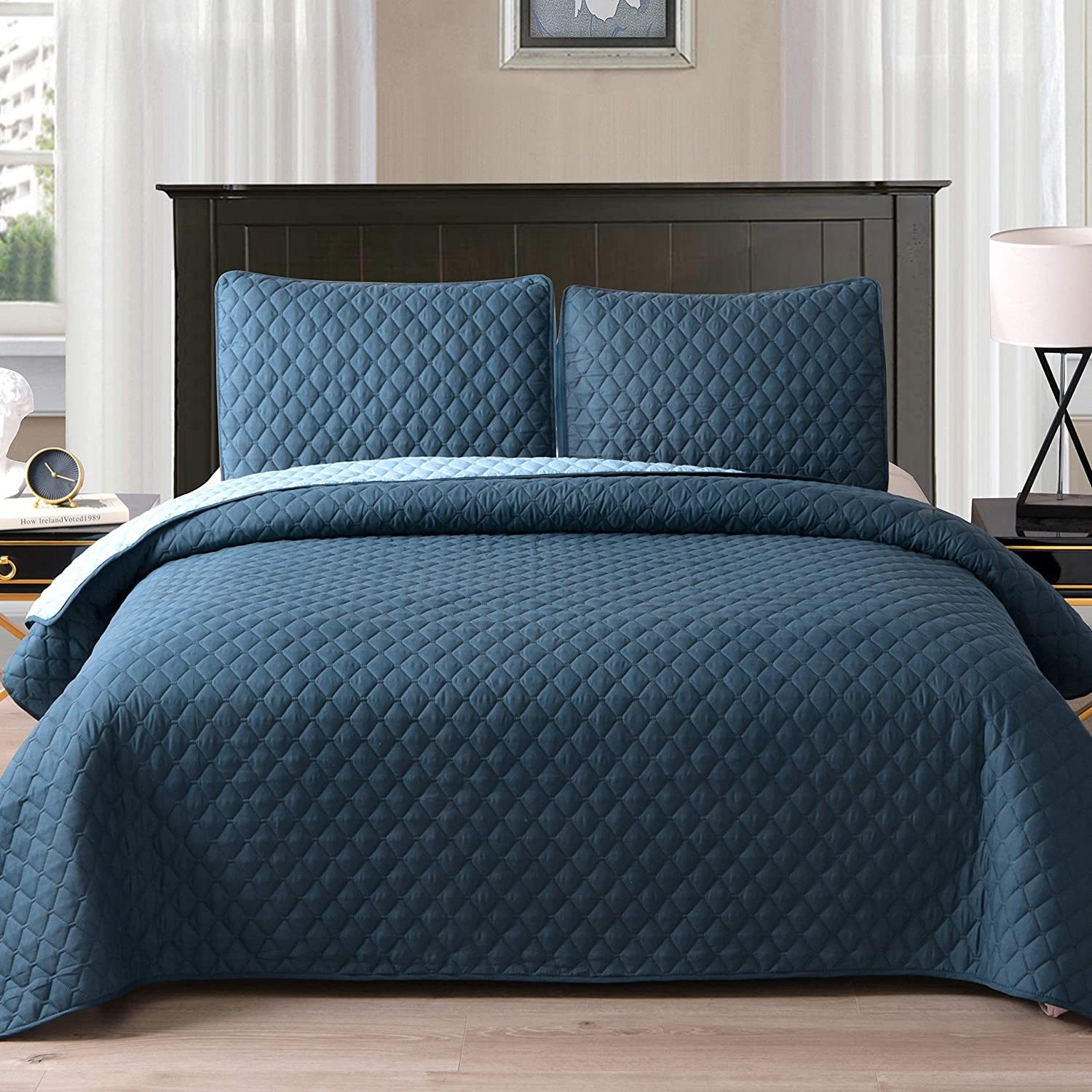 """Exclusivo Mezcla Ultrasonic Reversible 3-Piece Queen Size Quilt Set with Pillow Shams, Lightweight Bedspread/Coverlet/Bed Cover - (Navy Blue, 92""""x88"""")"""