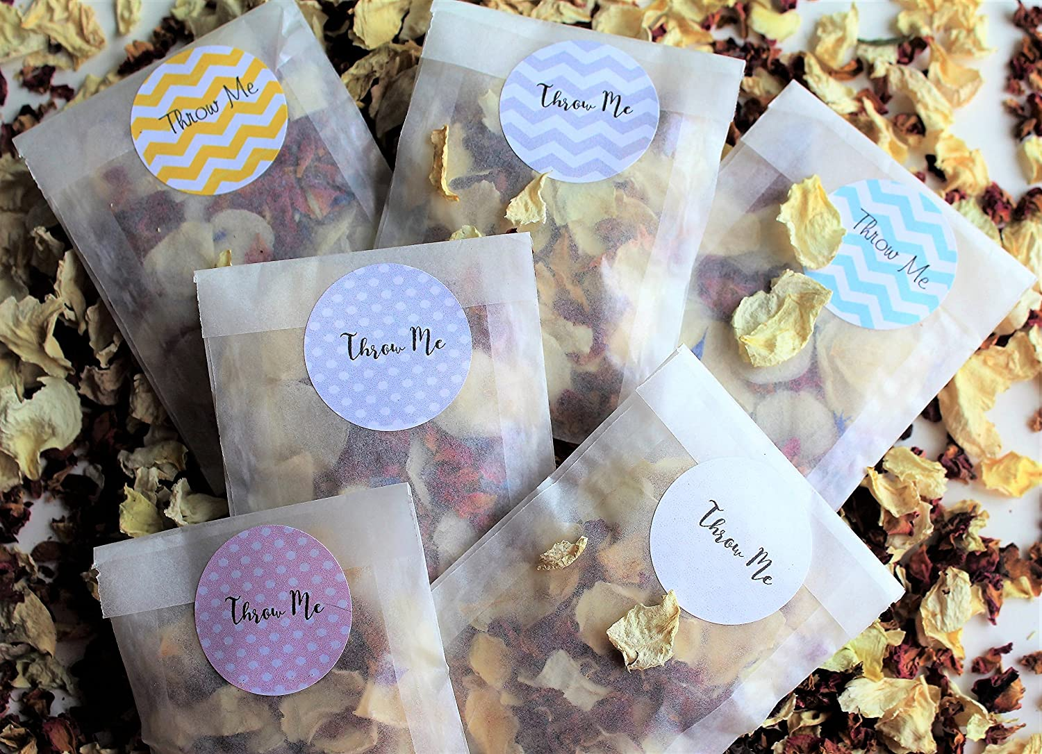 flower biodegradable petals-gold throw me Pale pink /& white wedding confetti