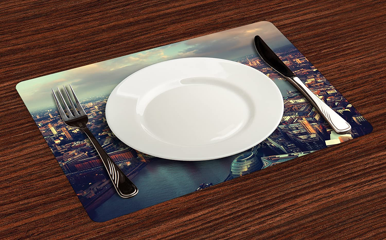 Lunarable Landscape Place Mats Set of 4 Black White and Charcoal Grey Washable Fabric Placemats for Dining Room Kitchen Table Decoration USA New York Brooklyn Bridge Cityscape Scenery Photo Print
