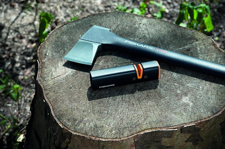 Fiskars Axt- und Messersch/ärfer Xsharp 1000601 Schwarz//Orange Keramik- Schleifkopf//Geh/äuse aus glasfaserverst/ärktem Kunststoff