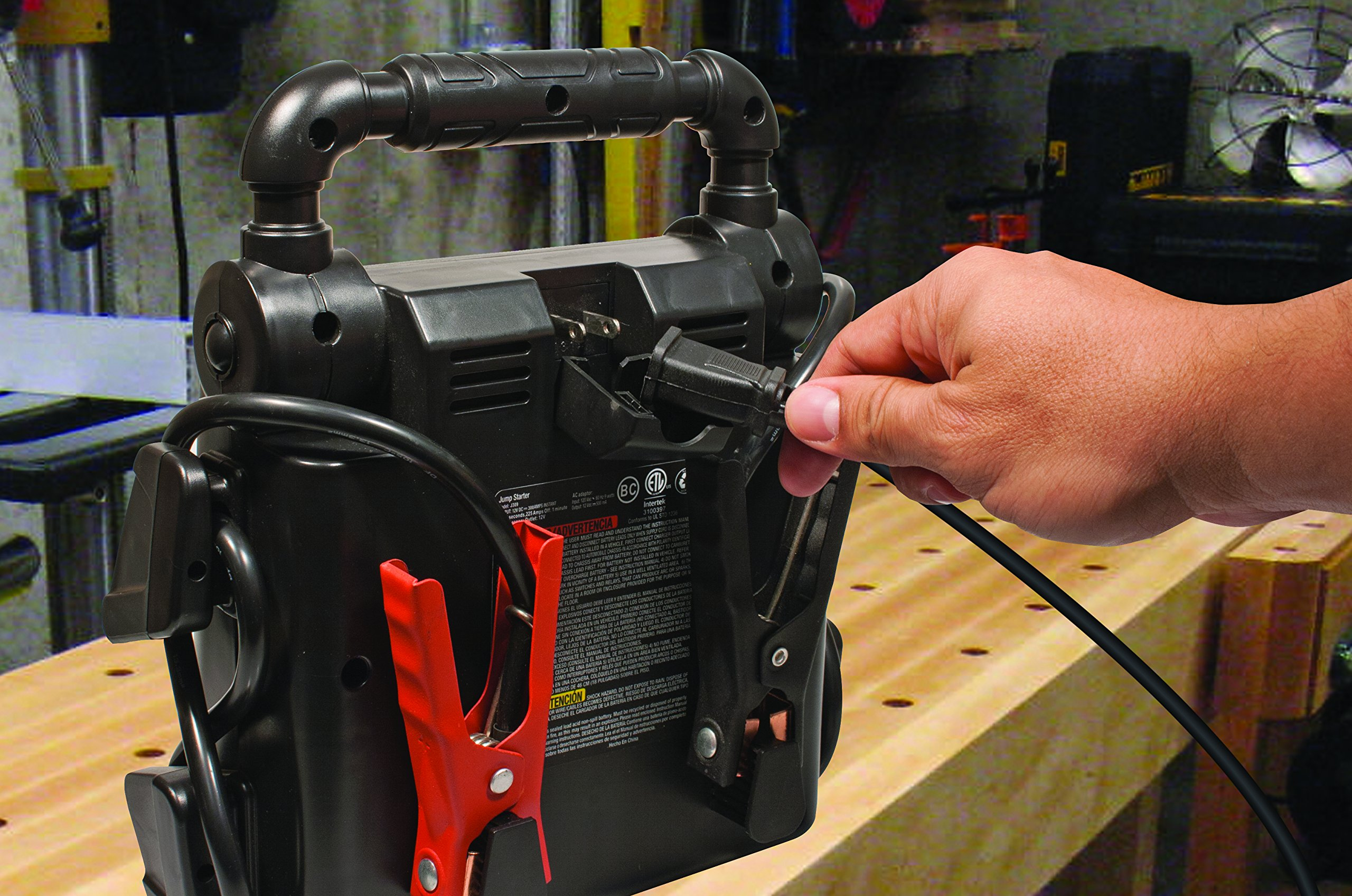 STANLEY J5C09 Power Station Jump Starter: 1000 Peak/500 Instant Amps, 120 PSI Air Compressor, Battery Clamps by STANLEY (Image #6)