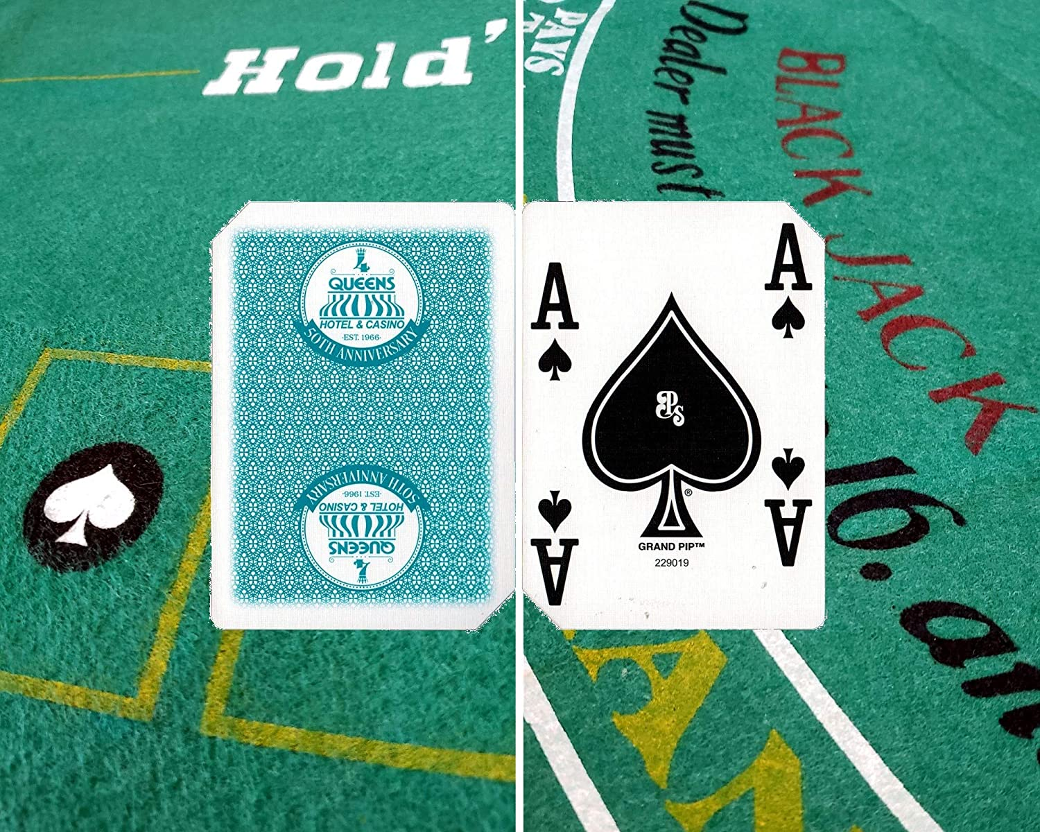 Green Cyber-Deals Wide Selection of Blackjack /& Texas Hold/'em Poker 2-Sided Premium Felt Layout 90cm x 180cm with Authentic Las Vegas Casino Table-Played Card Deck Four Queens