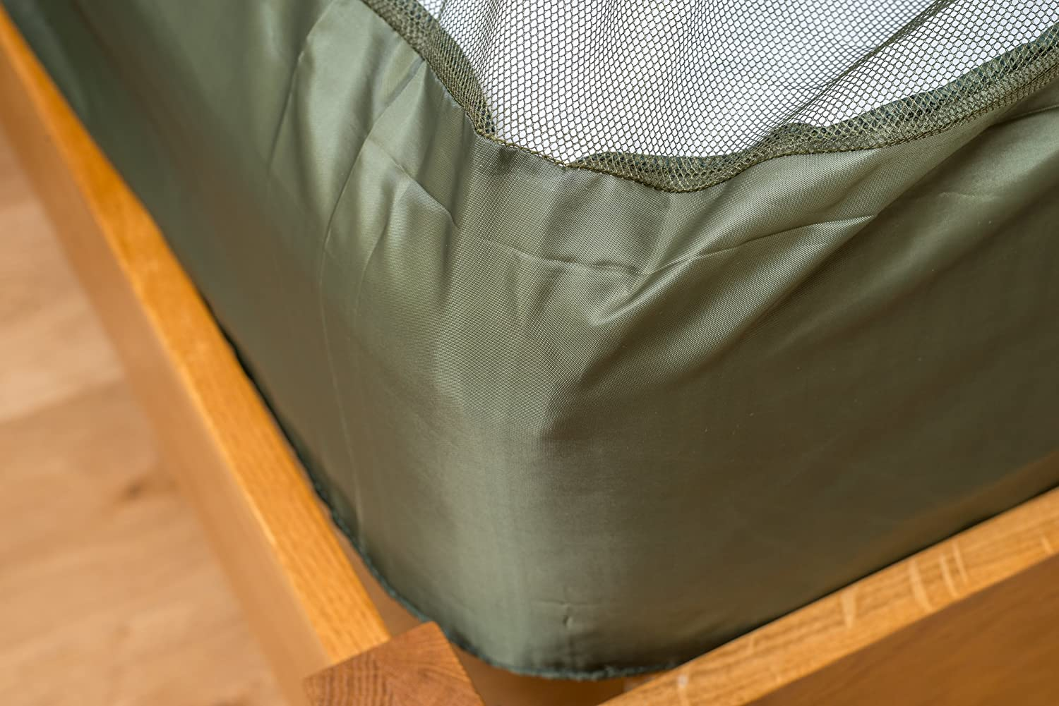 Expansion Cords and Carry Case Double Wedge Shape Dark Green Mosquito Net with Hooks