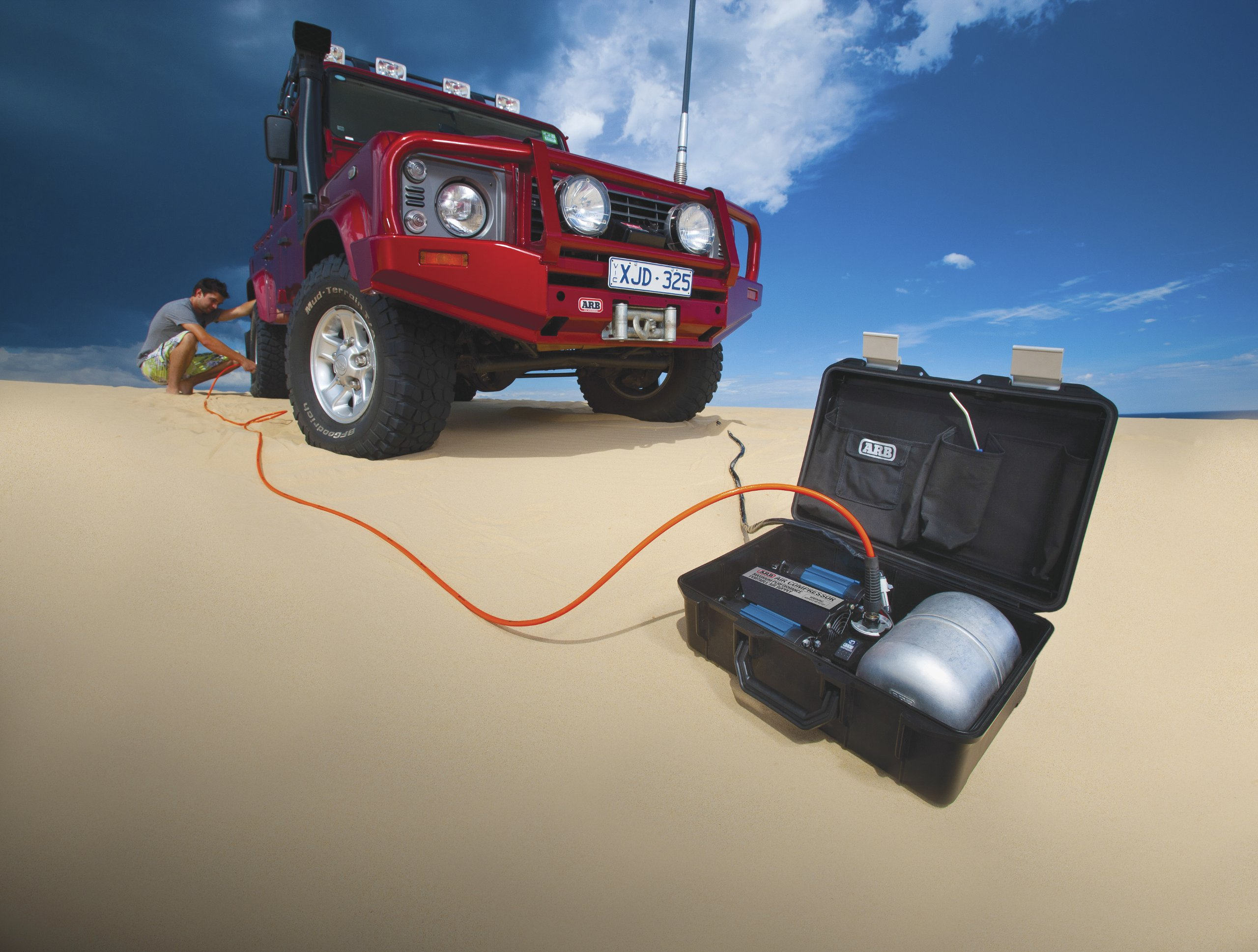 ARB (CKMTP12) 12V Twin Motor High Performance Portable Air Compressor by ARB (Image #3)
