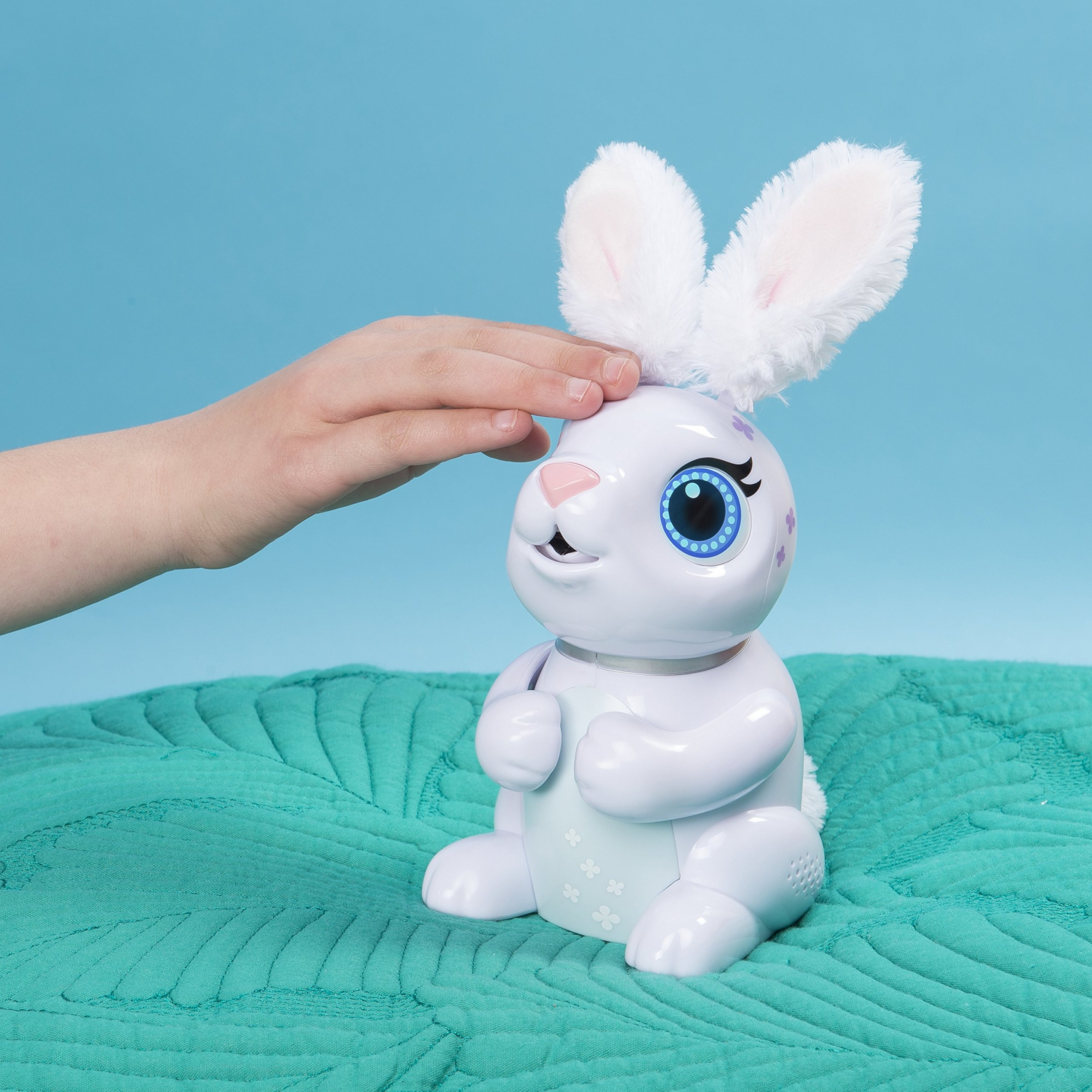 Zoomer Hungry Bunnies Chewy, Interactive Robotic Rabbit That Eats, Ages 5 & Up by Zoomer (Image #4)