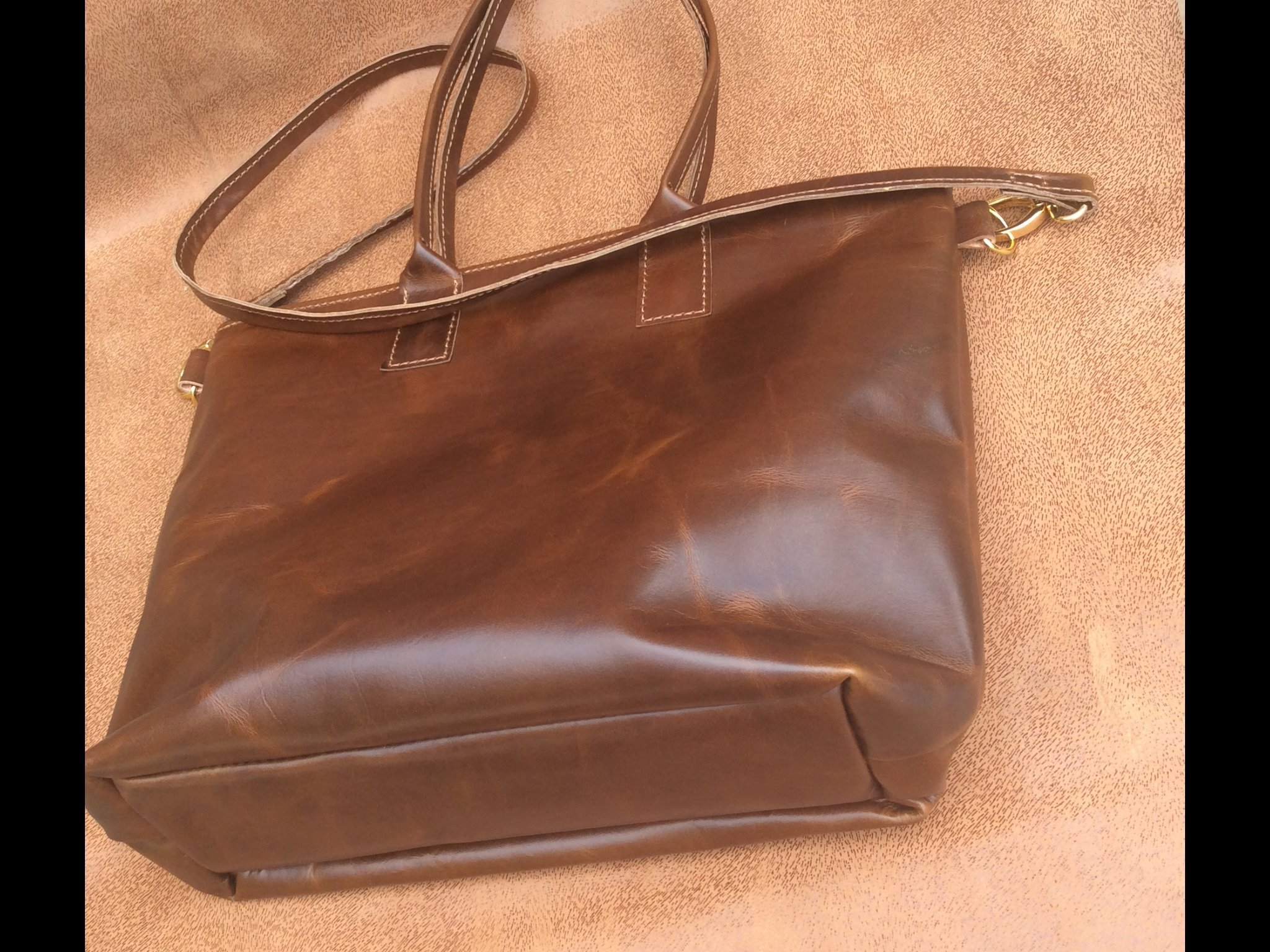 leather tote bag with zipper, leather tote bag, leather tote handbags for women, leather tote purse, leather tote purse, leather tote laptop, leather handbags, leather shoulder bags.