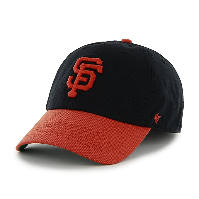 online store ac8f4 9511e Amazon.com    47 MLB San Francisco Giants Franchise Fitted Hat, Black,  Small   Sports Fan Baseball Caps   Sports   Outdoors