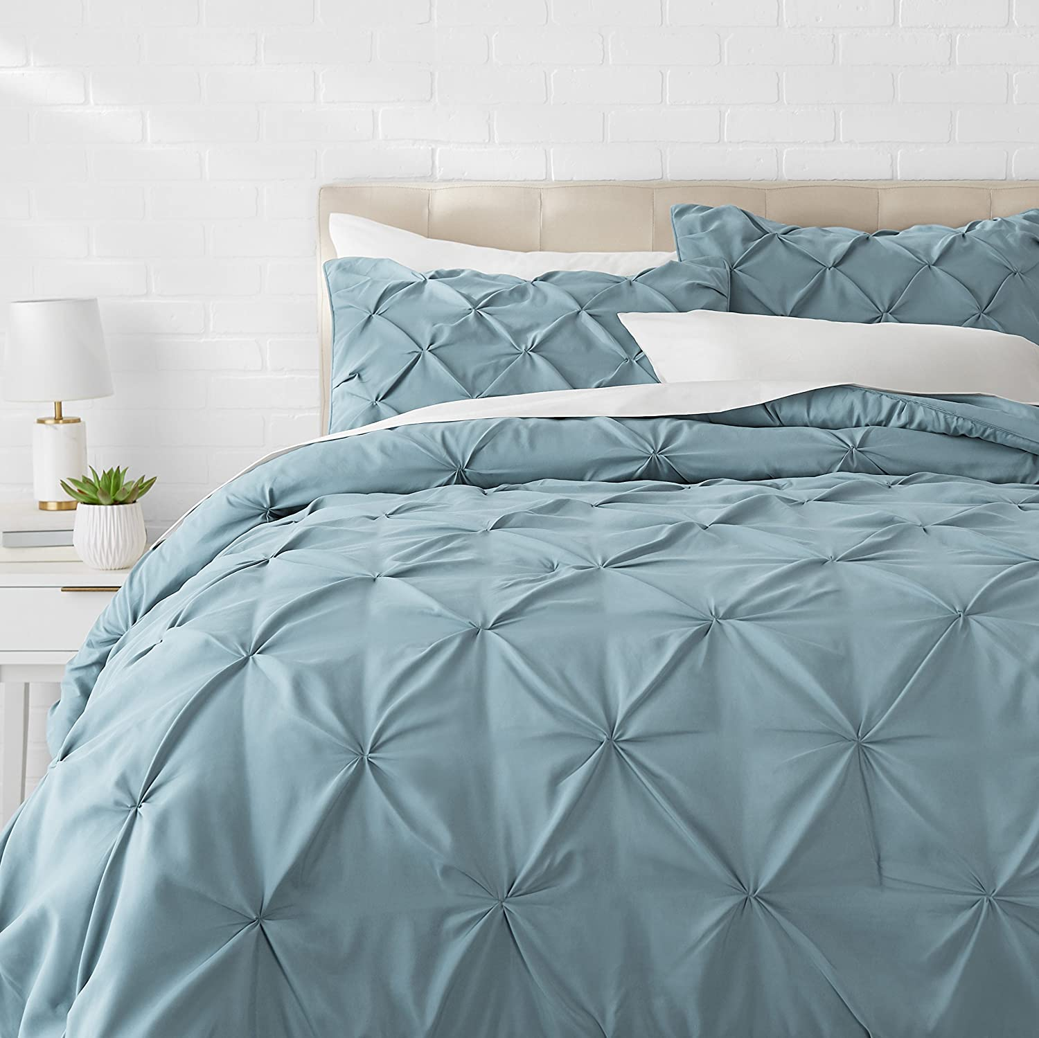 AmazonBasics Pinch Pleat Comforter Set - Full/Queen, Spa Blue