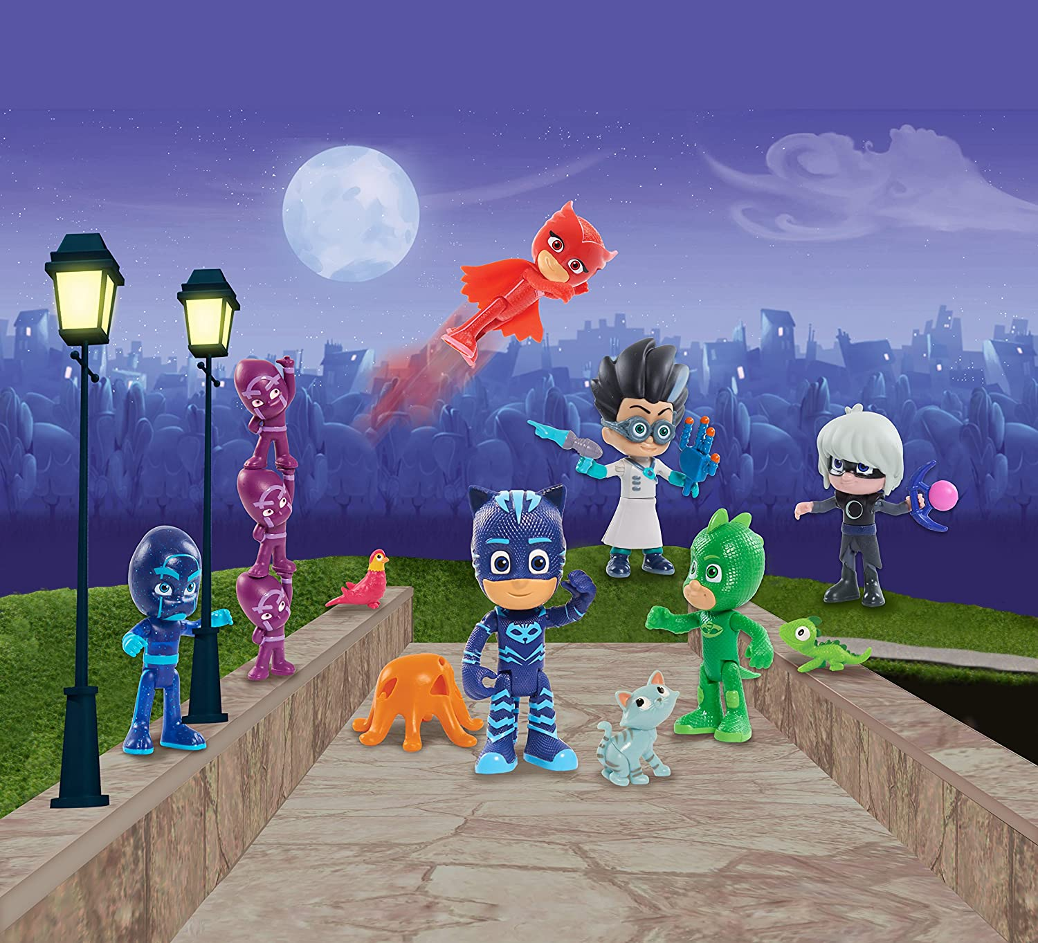 Amazon.com: Just Play PJ Masks Deluxe Friends Collection - Brown Mailer: Toys & Games