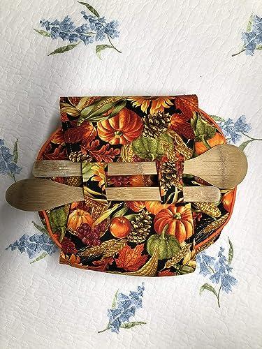 Amazon com: Fall Thanksgiving Round Casserole Carrier: Handmade