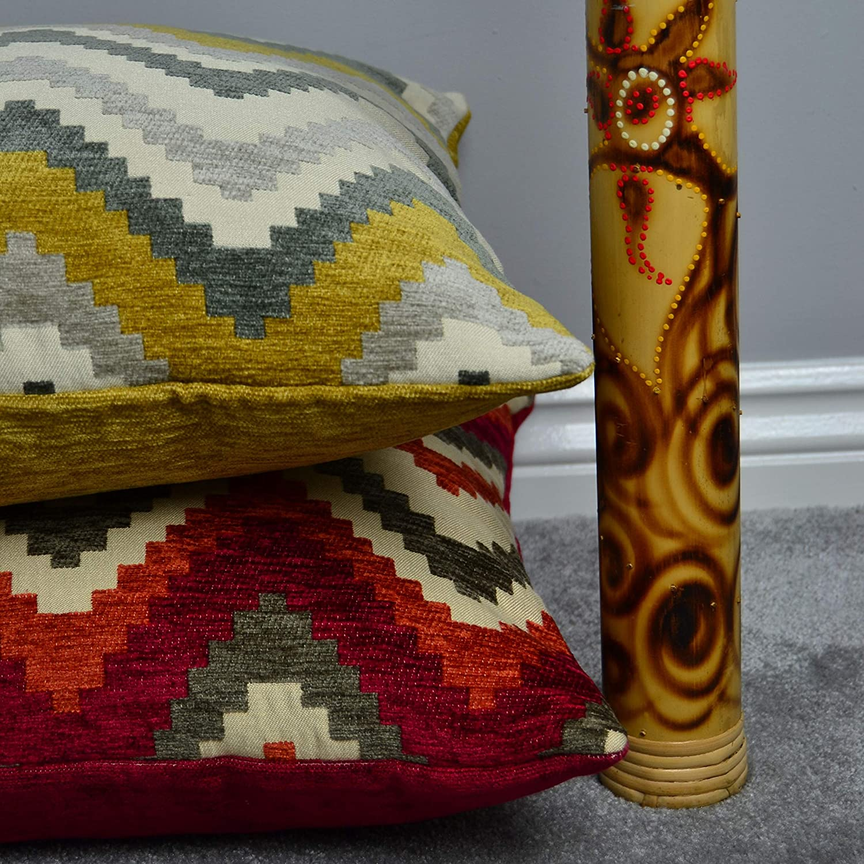McAlister Textiles Aztec Kollektion     Kissenbezug im geometrischen Navajo-Muster 60cm x 60cm in Rot & Orange   Deko Kissenhülle für Zierkissen, Sofa, Bett, Couch B06X9QLM7P Zierkissenbezüge d433f5