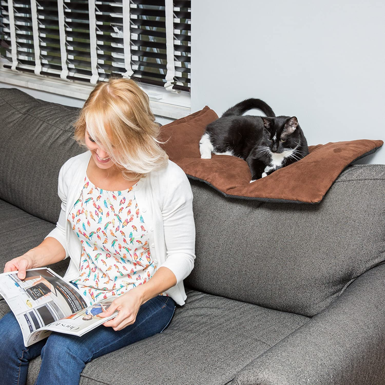 Amazon Thermal Pet Bed Mat by Easyology Self Warming