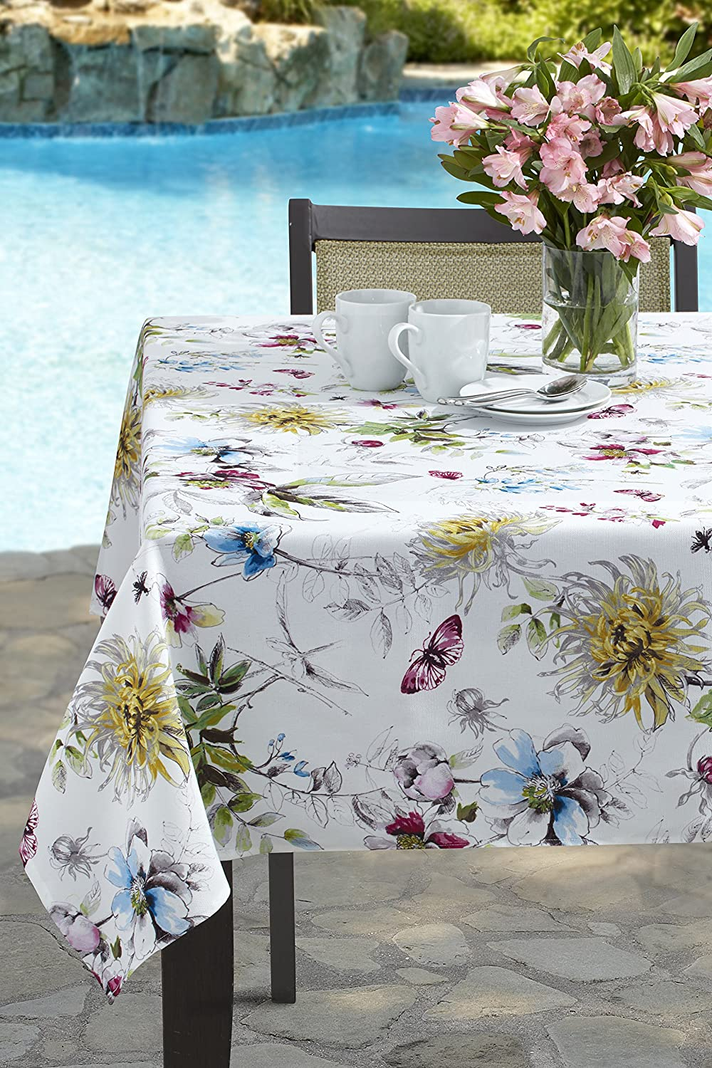 Amazon Com Benson Mills Blooming Floral Indoor Outdoor Spillproof Tablecloth 52 X 70 Rectangular Home Kitchen