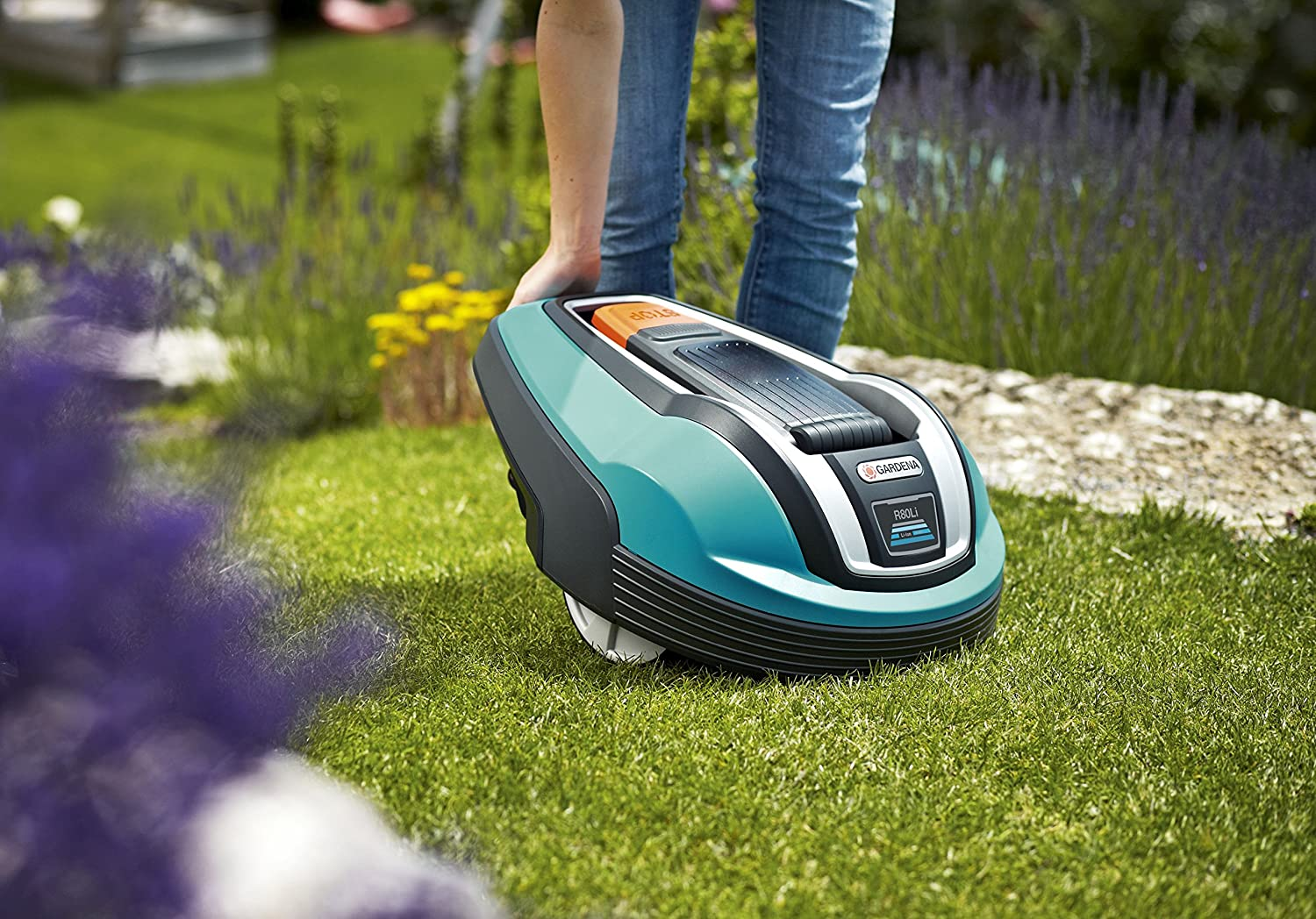 Robotic Lawnmower - GARDENA 4069 R80Li