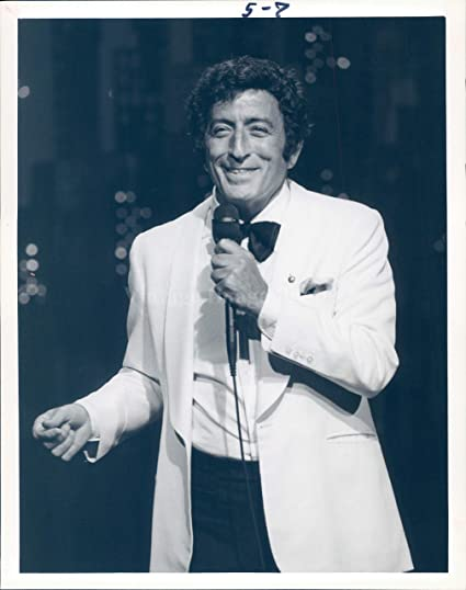 Amazon com: 1984 Press Photo Tony Bennett Singer Remington