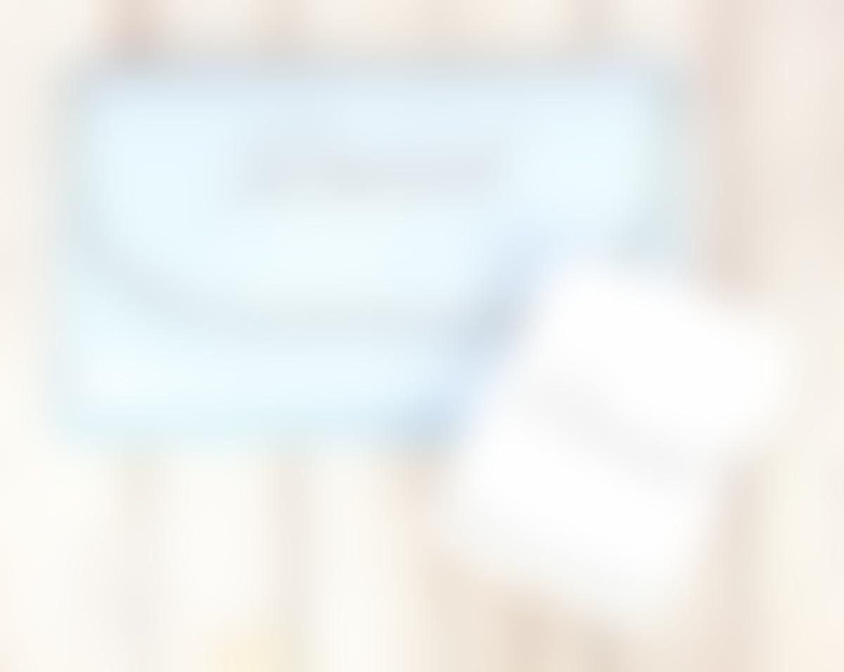 Cambiador bebé portátil de piqué plastificado con nombre personalizado bordado