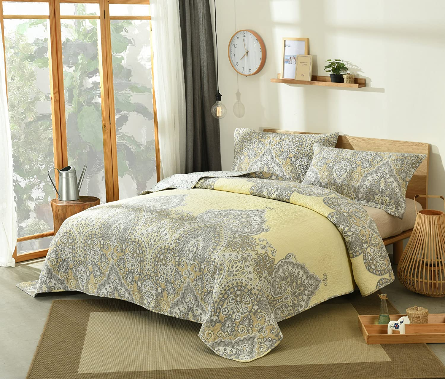 DaDa Bedding Pale Daffodil Bedspread Set - Bohemian Light Yellow Grey Floral Paisley - Cal King - 3-Pieces