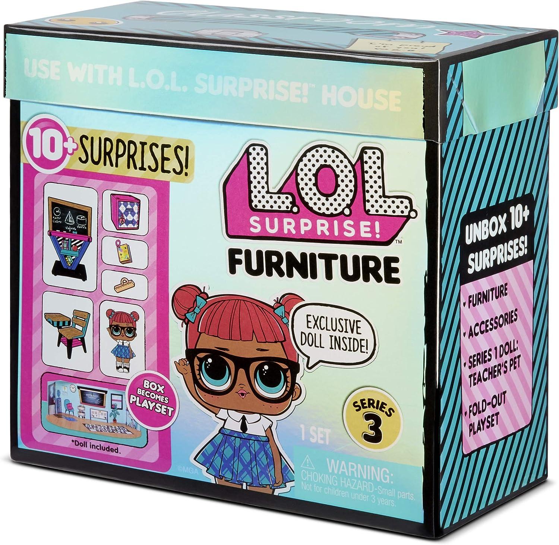 Surprises Surprise Furniture Classroom with Teachers Pet /& 10 L.O.L