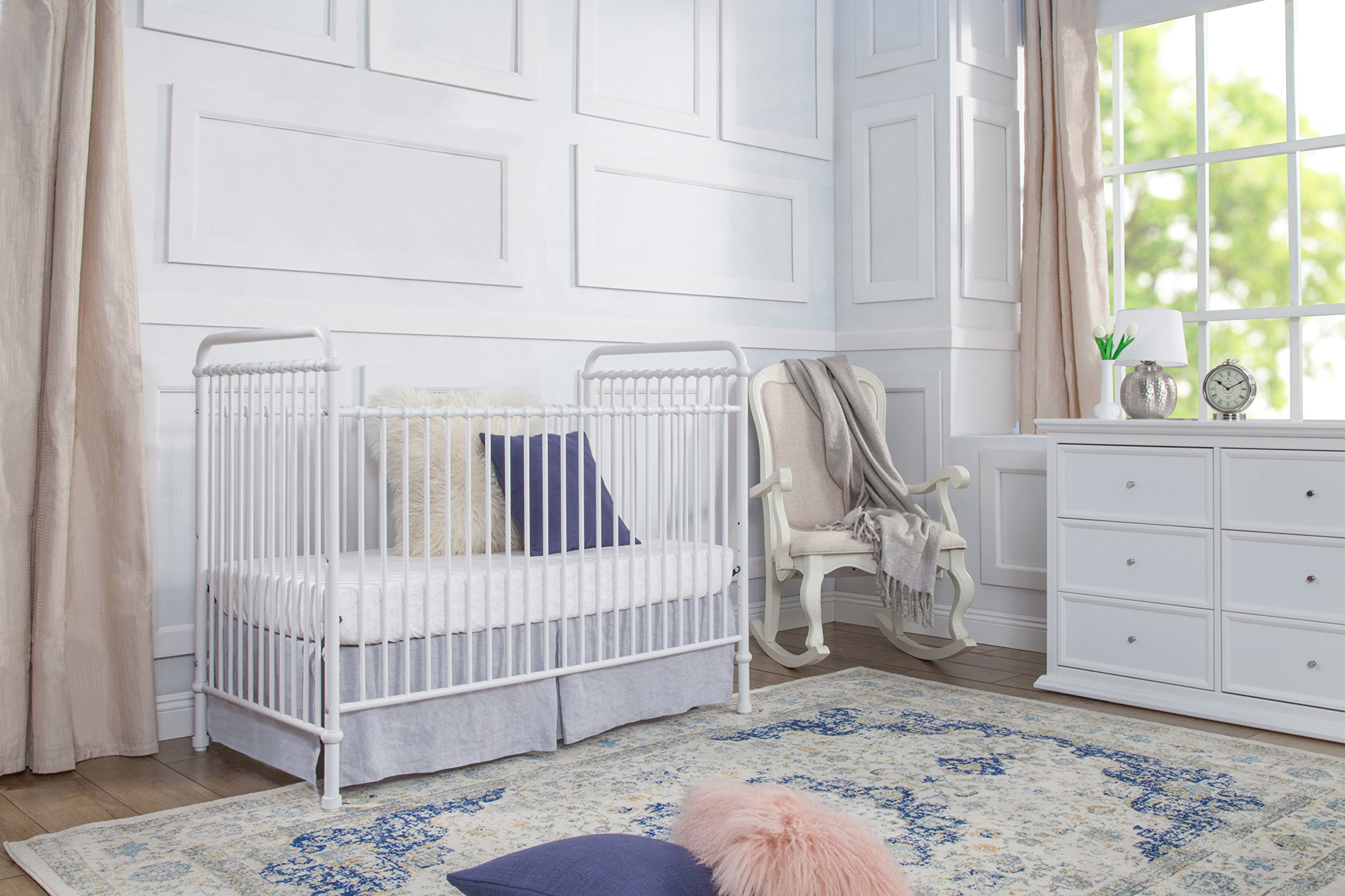Million Dollar Baby Classic Abigail 3-in-1 Convertible Iron Crib,  Washed White by Million Dollar Baby Classic (Image #3)