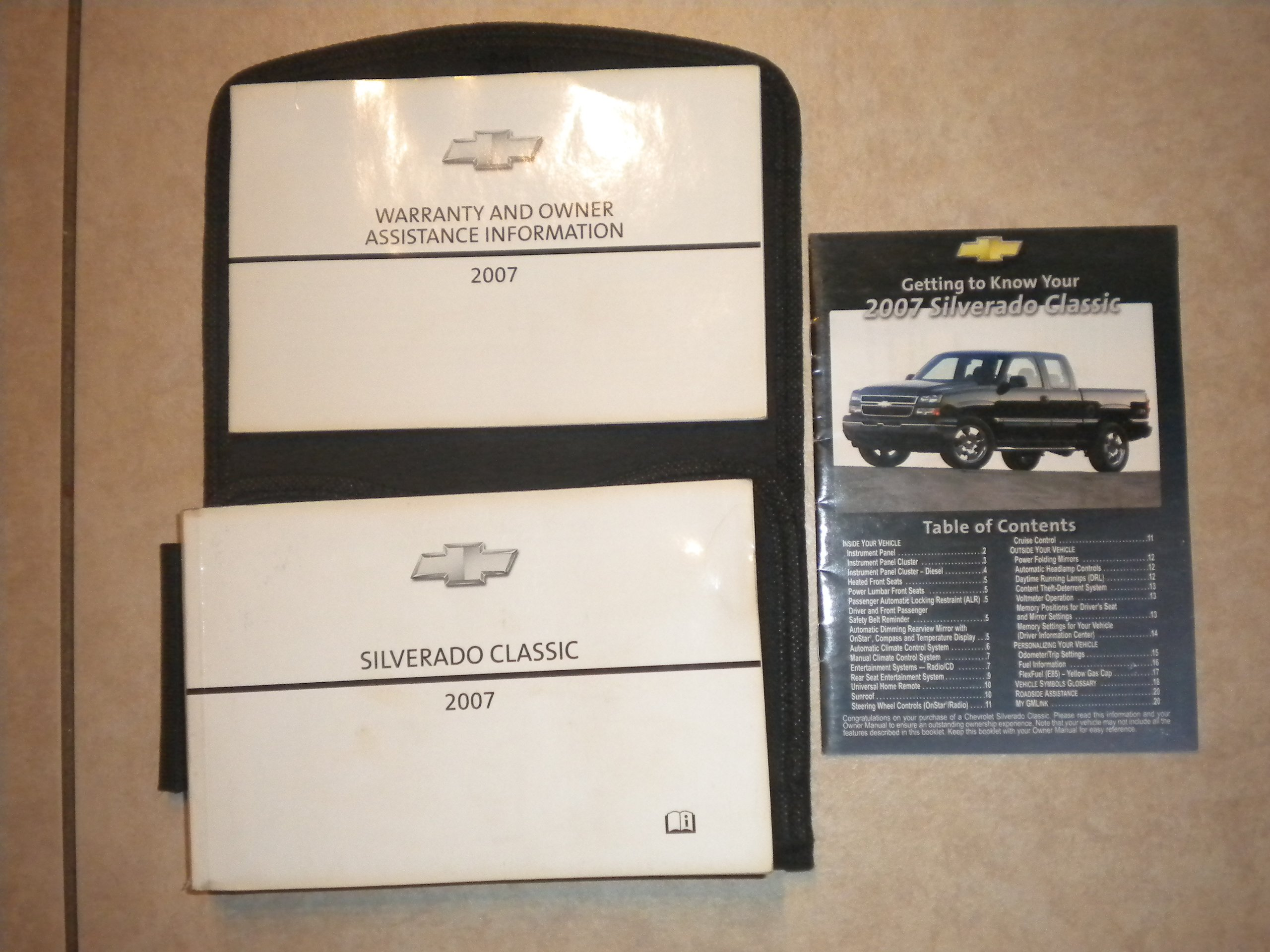 amazon com 2007 chevrolet chevy silverado classic owners manual rh amazon com Operators Manual Car Owners Manual