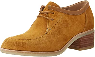 clarks lace up shoes womens
