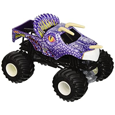 Hot Wheels Monster Jam Jurassic Attack Vehicle: Toys & Games
