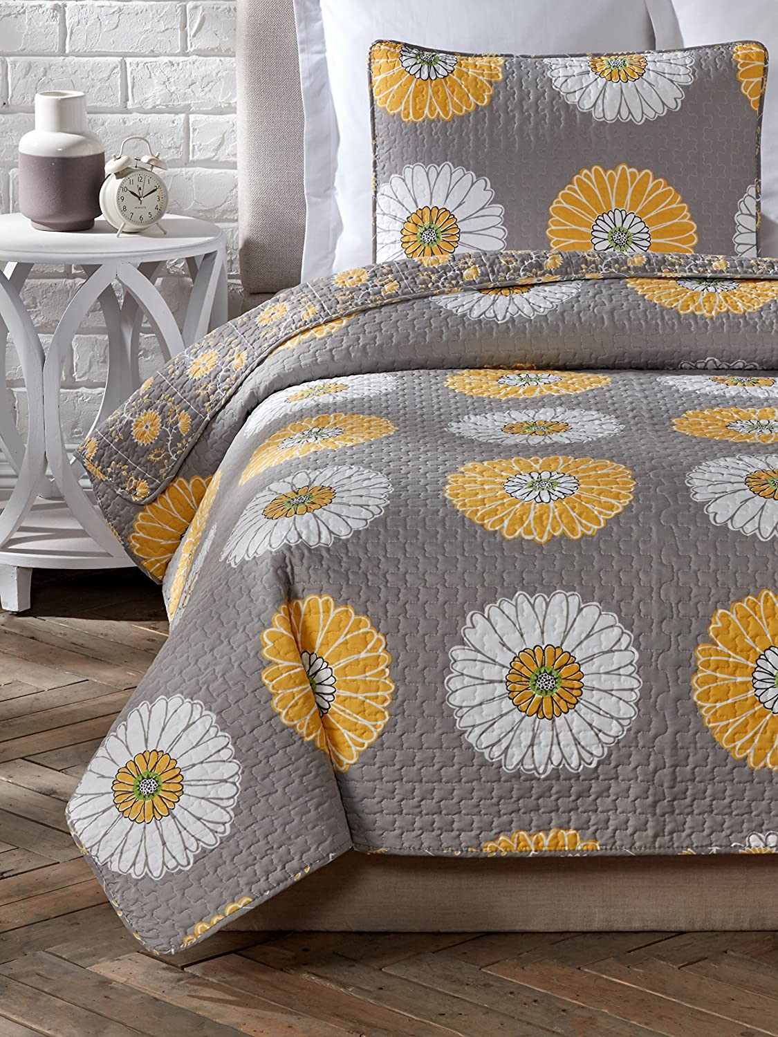 Cozy Line Home Fashions 3 Piece Anya Floral Quilt Set, Full/Queen