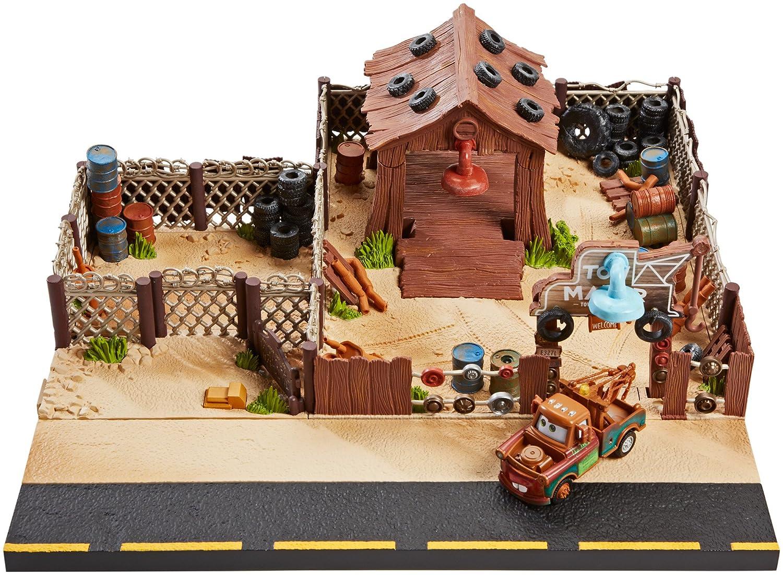 Amazon.com: Disney/Pixar Cars Mater\'s Towing and Salvage Playset and ...