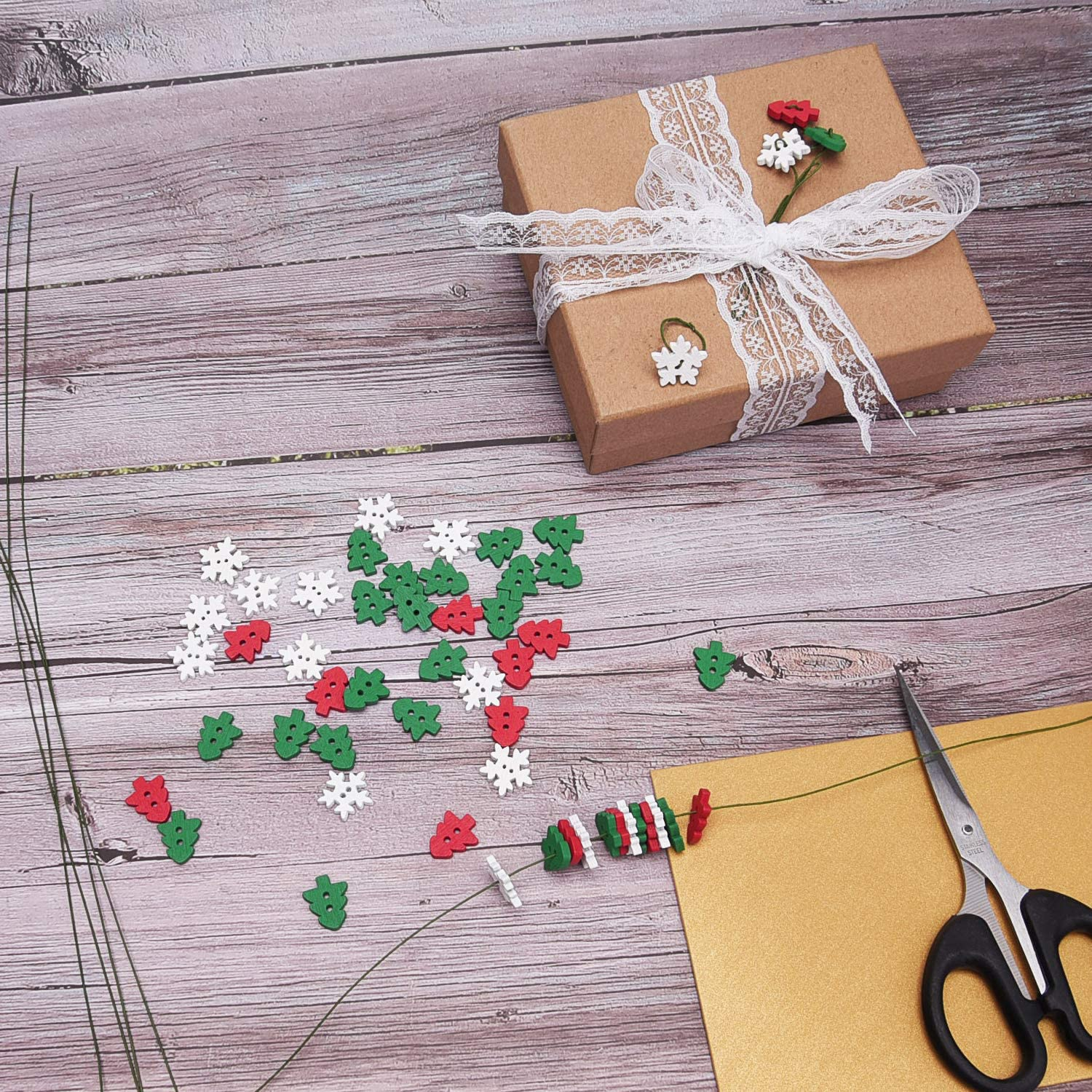 Livder 150 Pieces Christmas Wooden Buttons Sewing Snowflake Button with 2 Holes Red, Green, White