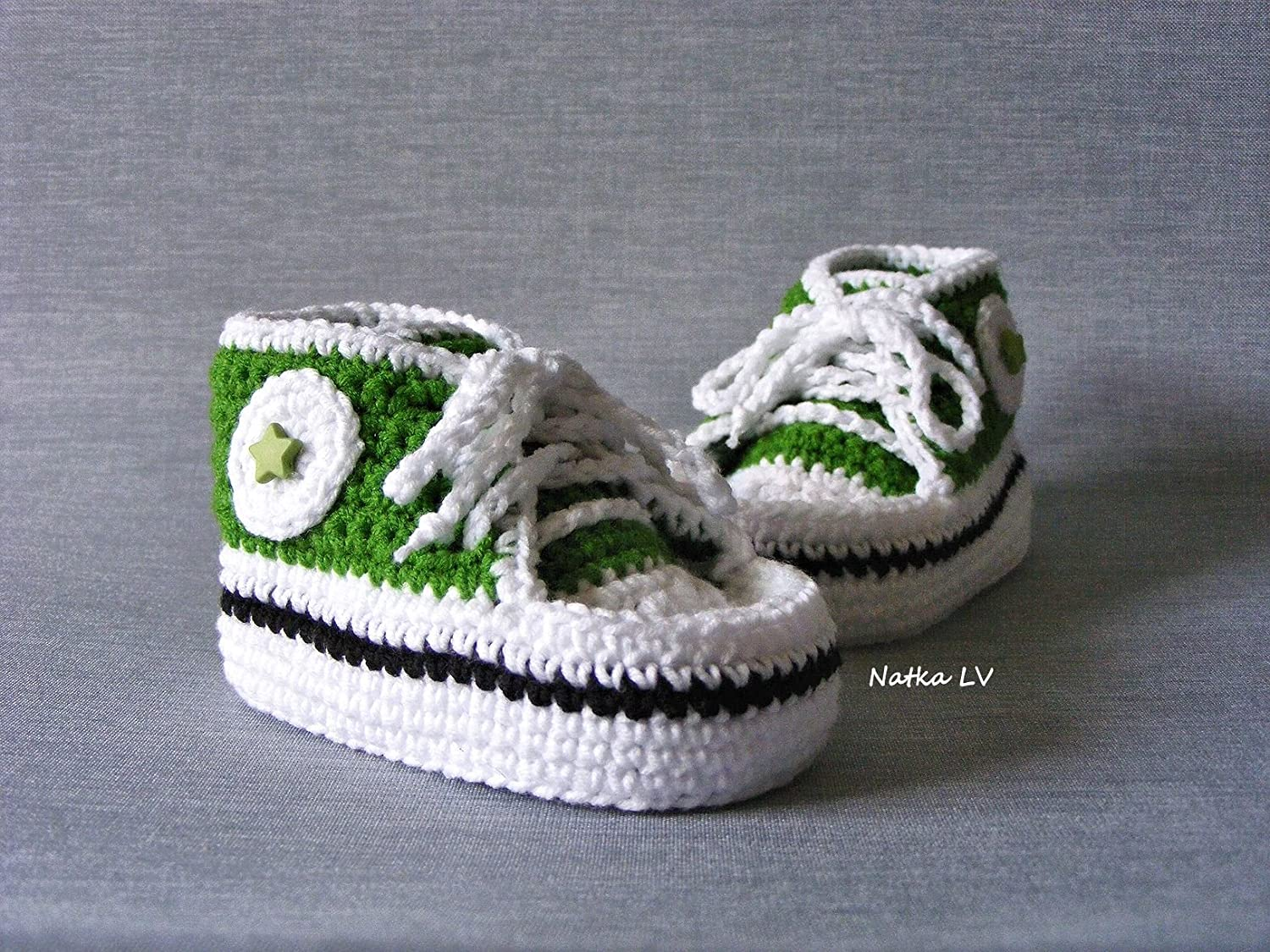 f265e4650 Baby crochet sneakers, baby green booties, baby boy summer booties, baby  shoes, grass green white booties, baby foot wear, newborn baby booties, ...