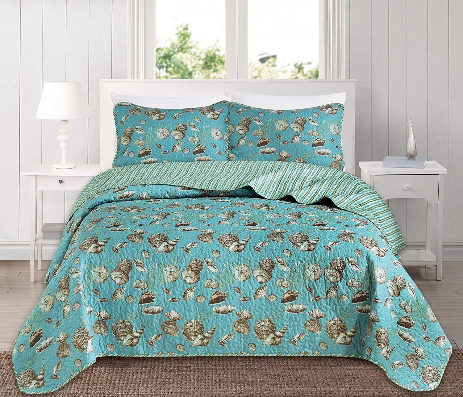 Great Bay Home 3 Piece Quilt Set with Shams. Soft All-Season Microfiber Bedspread Featuring Attractive Seascape Images. The Seychelles Collection Brand. (King)