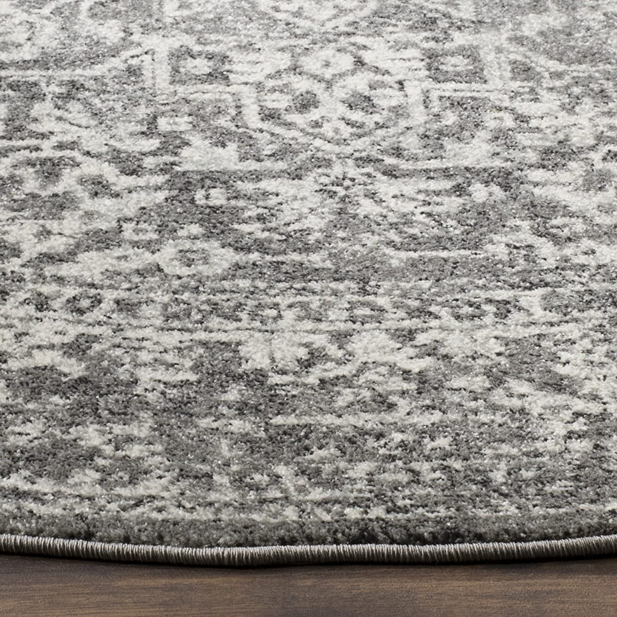 "Safavieh Evoke Collection EVK256D Vintage Oriental Grey and Ivory Round Area Rug (51"" Diameter)"