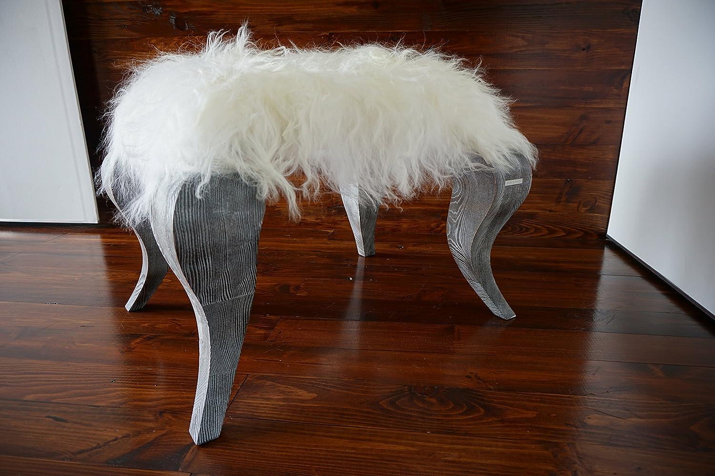 Exklusive Ottomane Hocker mit Eichenholz Beine gepolstert mit Öko Naturfell Island Schaffell - Extra lange weiße Wolle - Designermöbel von MILABERT (OS05162)