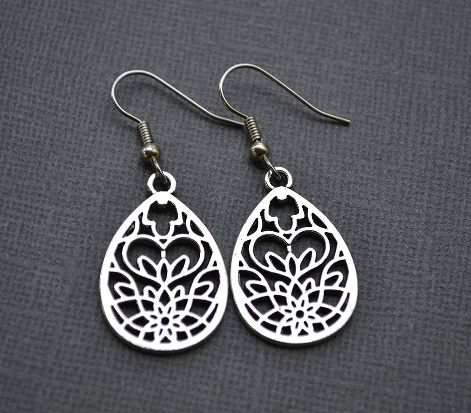 What type are you? Onyx or Rock Crystal earrings Rosegold Mandala-black or white