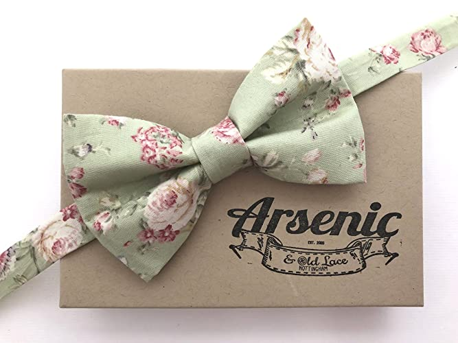 bafe15c515e0c Floral bow tie   mens bow tie   mint green bow tie   boys bow tie ...