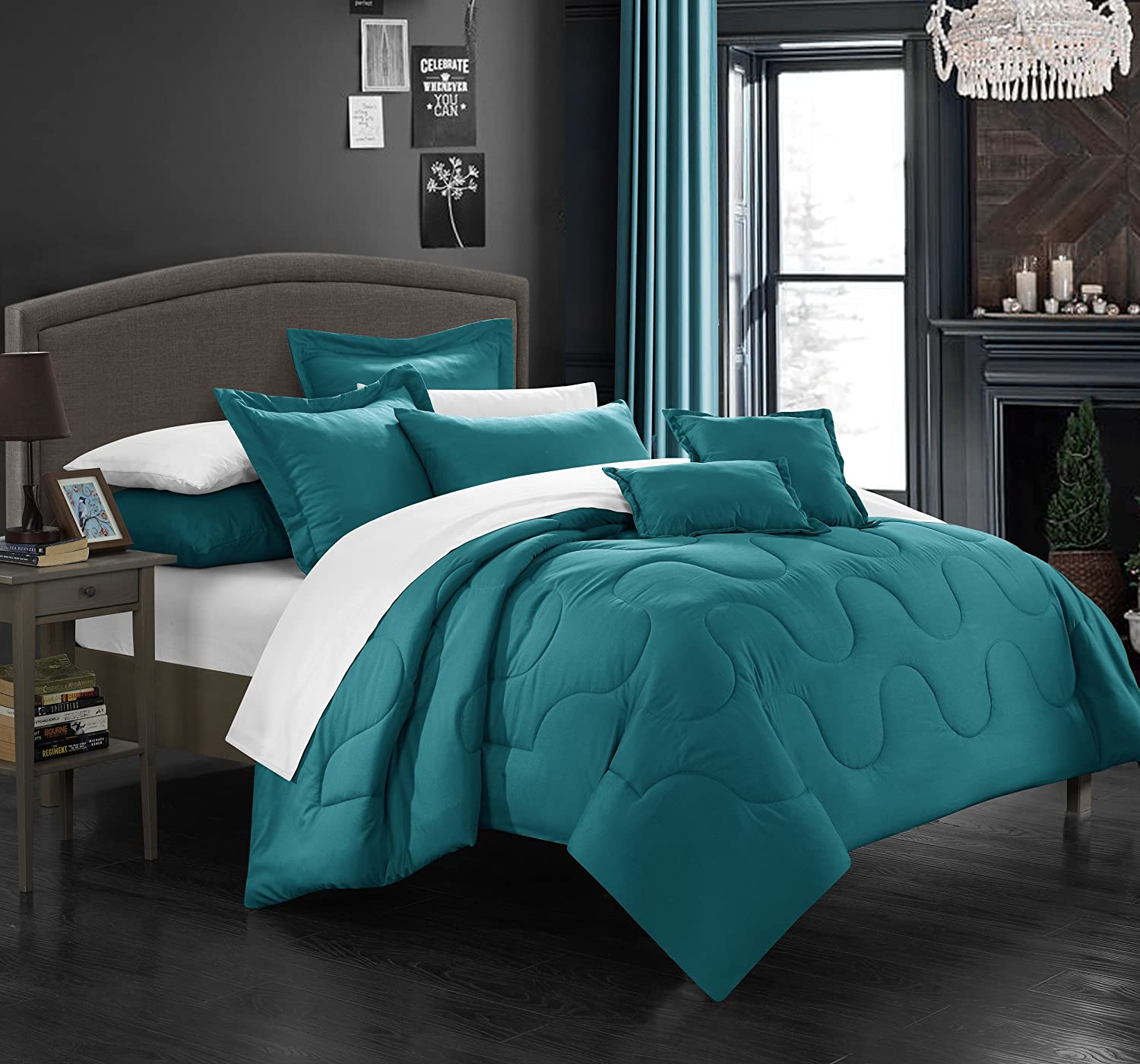 Beautiful teal bedroom sets photos home design ideas for Home designs comforter