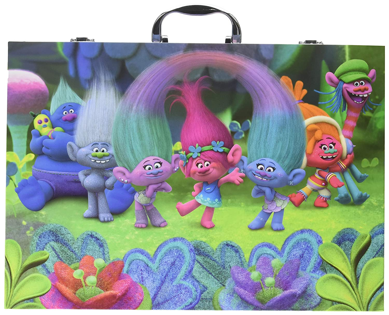 Amazon Crayola Trolls Glitter Scrapbook Kit Art Tools For Scrapbooking Activities Over 115 Pieces Great Gift Toys Games