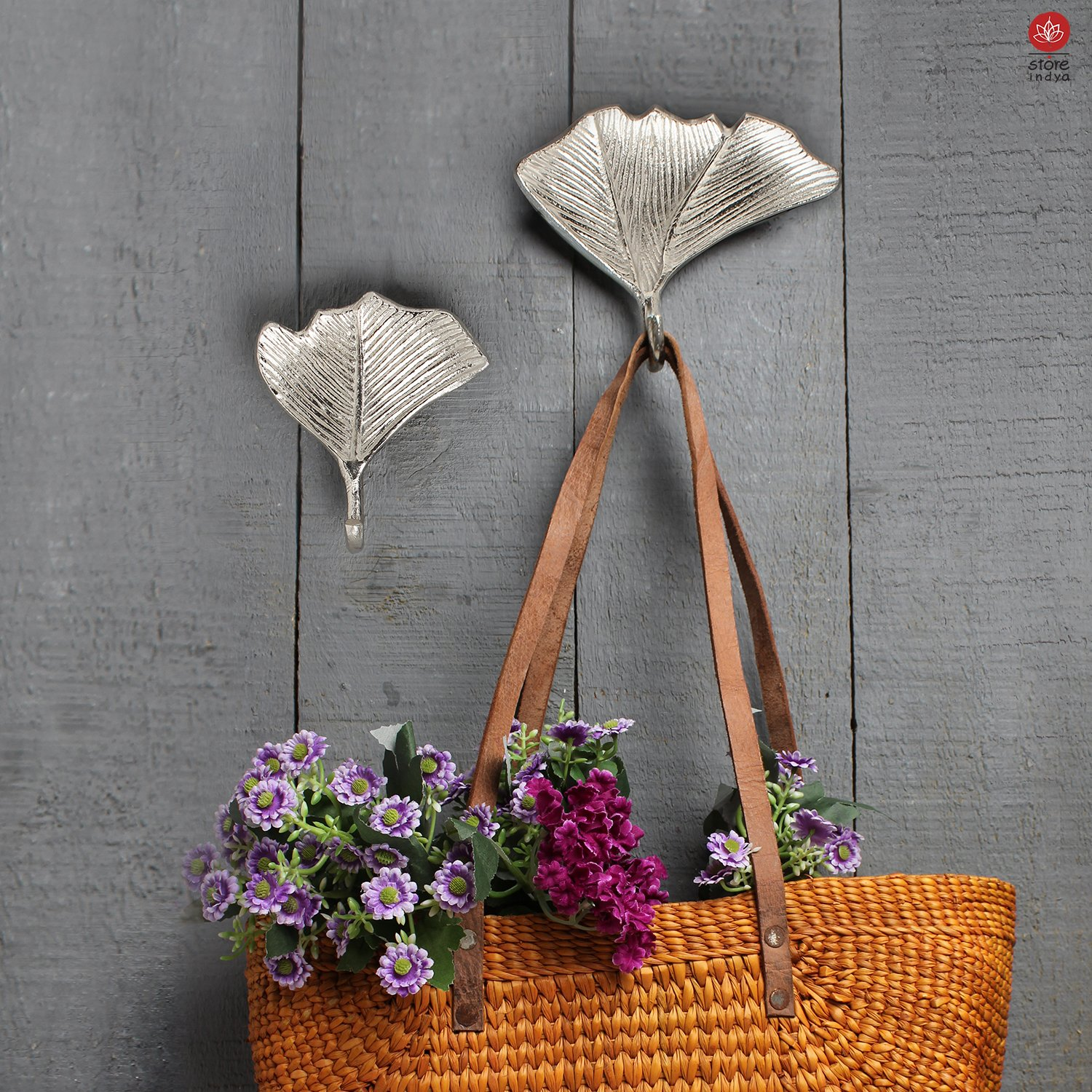 Set of 2 Wall Hooks Home Décor Gift Ideas Home Nursery Accessories with Free Cross and Noughts Game (Alluminium Leaf Collection)