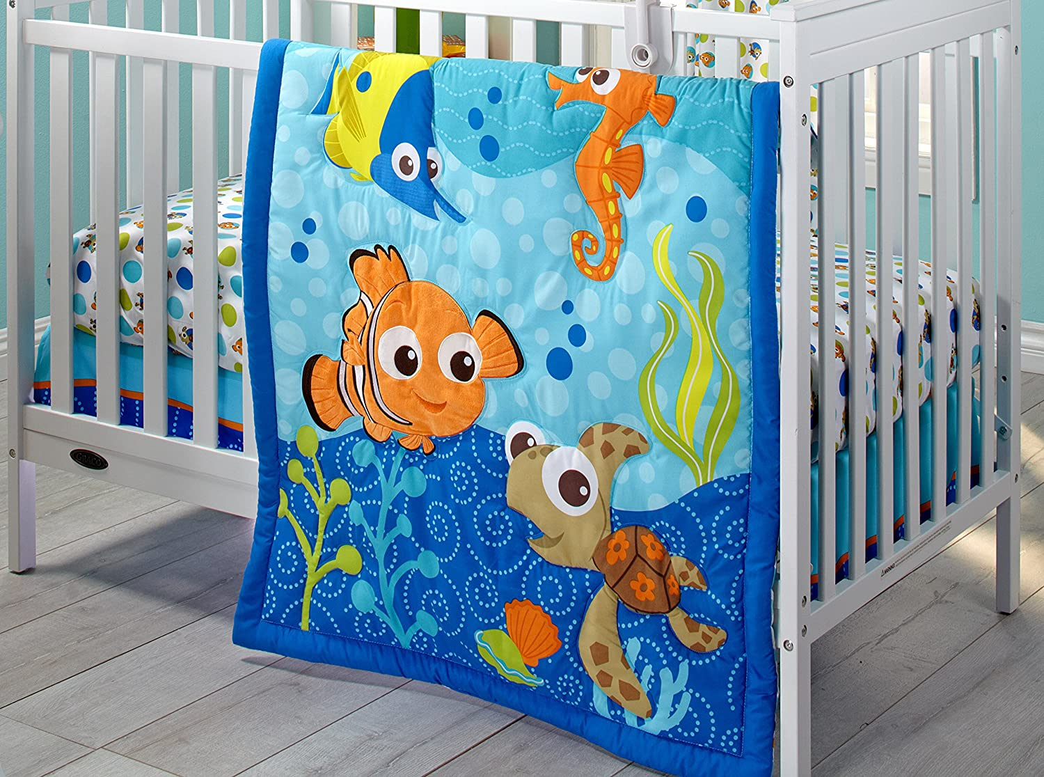 Disney Nemo 3 Piece Crib Bedding Set by Disney [並行輸入品]   B00O2VPFHG