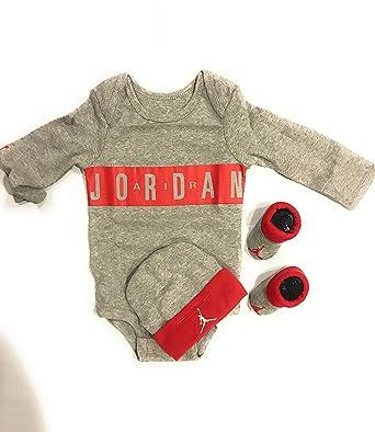 1fd513e0ad0 Jordan Kit Ensemble bébé  Amazon.fr  Vêtements et accessoires