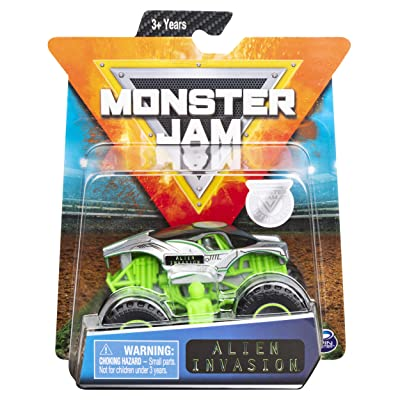 Monster Jam 2020 Arena Favorites Alien Invasion 1:64 Scale Diecast with Figure by Spin Master: Toys & Games