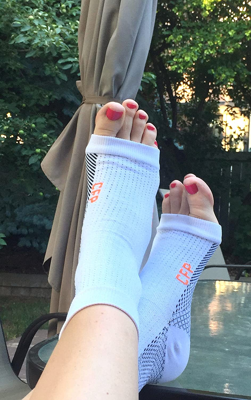 Amazon.com: Plantar Fasciitis, Compression Socks 2 Pair, (4 x Socks) Sleeve Best on Foot Heel Pain, Arch Support (L/XL): Health & Personal Care
