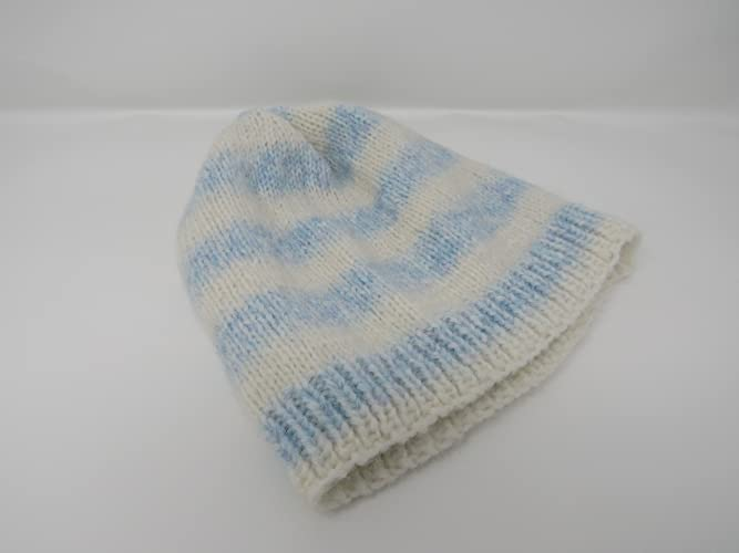 c7af487ccc8 Amazon.com  Handcrafted Beanie Knitted Hat 100% Merino Wool Female Adult  Striped  Handmade