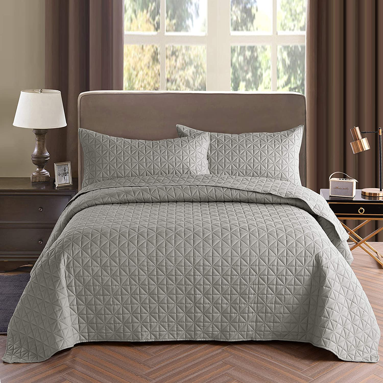 Exclusivo Mezcla 2-Piece Twin Size Quilt Set with One Pillow Sham, as Bedspread/Coverlet/Bed Cover(Grid Weave Light Grey) - Soft, Lightweight, Reversible& Hypoallergenic