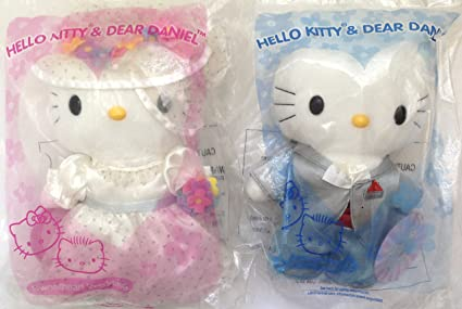 8db2afbad Image Unavailable. Image not available for. Color: McDonald's Hello Kitty &  Dear Daniel Sweetheart Wedding